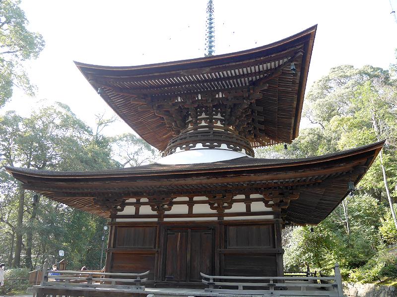 【石山寺】滋賀県が誇る日本最古の多宝塔を有する寺