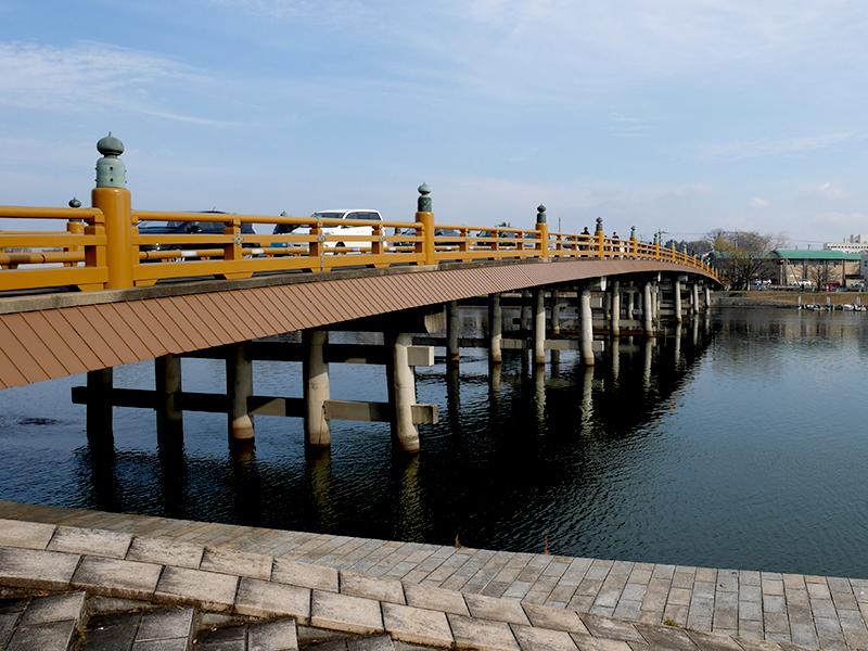 【瀬田の唐橋】京と東国を結ぶ歴史的に重要な戦いが繰り広げられた橋の写真