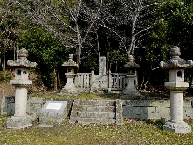 源頼義の墓